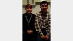 薩吾提拜女士與其丈夫(視頻截圖)
