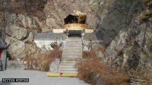 觀音溝寺內的觀音像被砸毀
