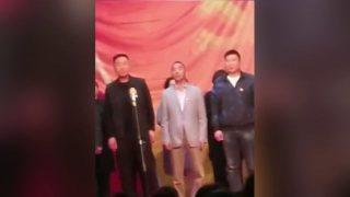 河南當局野蠻強佔三自教堂 高唱沒有共產黨就沒有新中國