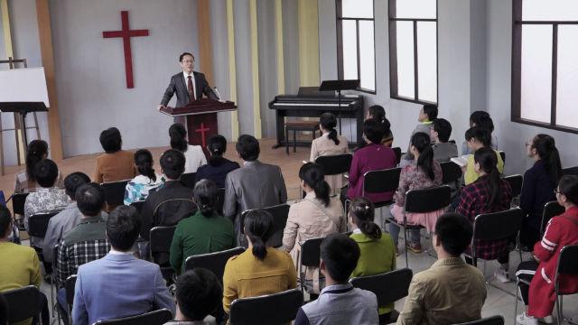 牧師正在教堂裡講道(網絡圖片)