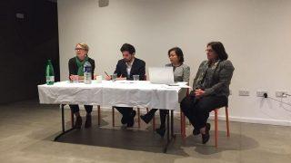 小組成員從左至右依次是:雷切爾·哈里斯、猶太教拉比本杰∙斯坦利、拉希瑪∙馬合木提以及米亞∙哈森松-格羅斯
