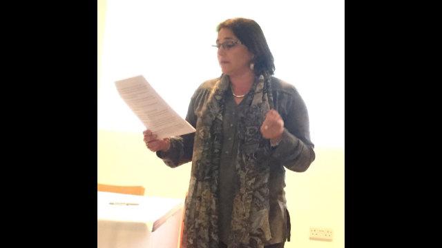 勒內·卡森組織負責人米亞∙哈森松-格羅斯女士告訴與會群眾,對維吾爾人的監禁事實上就是「種族滅絕」