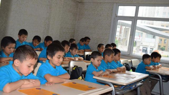 时间并非治癒土耳其维吾尔族「寡妇」和「孤儿」创伤的良方