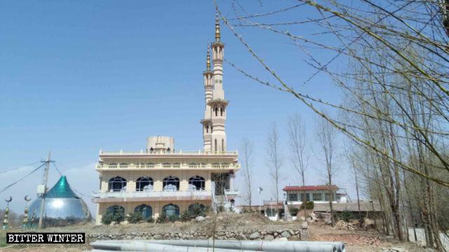 甘肅省臨夏州沈家坪清真寺穹頂被拆除